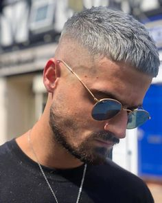 Finding The Best Short Haircuts For Men Cool Hairstyles For Men, Hairstyles Haircuts, Haircuts For Men, Crop Haircut, Fade Haircut, Shaved Side Haircut, Short Hair Cuts, Short Hair Styles, Dyed Hair Men