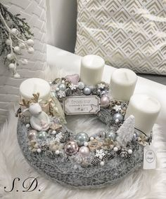 Stunning Christmas Sweater Wreath Advent Candles Decoration Ideas - Page 54 of 55 - Chic Hostess Christmas Advent Wreath, Xmas Wreaths, Christmas Table Decorations, Noel Christmas, Christmas Candles, Christmas Design, Christmas Crafts, Mery Chrismas, Advent Candles