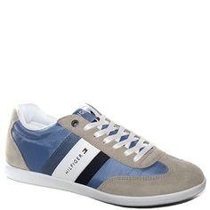 #Sneaker allacciata in tessuto beige e azzurro.