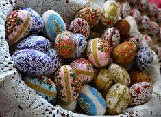 Pisanki, jajka wielkanocne, Wielkanoc, kraszanki, polska tradycja, koszyczek wielkanocny, Easter, folk, folklor, ludowo. Easter Eggs, Fragrance, Holidays, Holiday, Holidays Events, Vacations, Perfume, Vacation