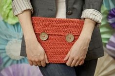 Free crochet patterns for beginners. These beginner crochet patterns include dishcloths,afghans, hats, scarves, bags and many more. Crochet Stars, Love Crochet, Crochet Ipad Cover, Puppy Backpack, Animal Bag, Fabric Handbags, Crochet Patterns For Beginners, Crochet Home, Knitted Bags