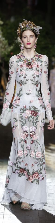 Dolce & Gabbana Alta Moda Fall 2015 couture Potofino Danish Girl Copenhague premier.