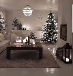 Good night👋 my lovely friends leaving you with Wonderful decoration design 💤🧡 Cool Christmas Trees, Christmas Home, Christmas Decorations, Table Decorations, Christmas Fashion, Xmas, Christmas Living Rooms, Online Furniture Stores, Furniture Shopping