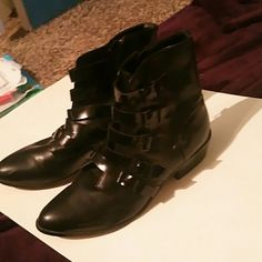 Forever 21 ankle boots Black ankle boots Forever 21 Shoes Ankle Boots & Booties