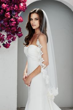 """One tier, Fingertip length 42"""" (F) veil with Guipure Lace edging. Style VM431F."""