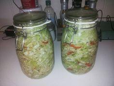 Oppskrift:Jeg har brukt 2 små hodekål1/2 papairka1 chilli5 fedd hvitløk1 ss hjemmelaget italiensk...