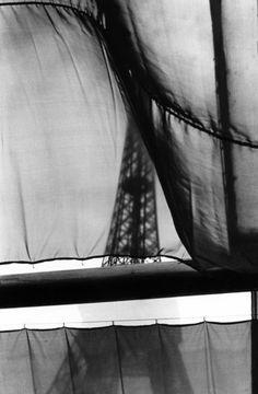 Elliott Erwitt, Paris, France, 1968