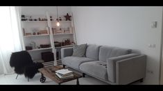 Vanzare apartament in Ansamblul Rezidential Maria Rosetti 38 Couch, Furniture, Home Decor, Settee, Decoration Home, Sofa, Room Decor, Home Furnishings, Sofas