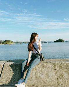 Photography model beach posts new Ideas Korean Boy, Uzzlang Girl, Korean Fashion Trends, Ulzzang Fashion, How To Pose, Korean Model, Korean Outfits, Girl Photography, Korean Photography