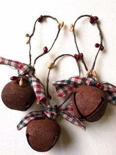 Rusty Jingle Bells with Berry Haning Loops Primitive Christmas Ornaments, by june