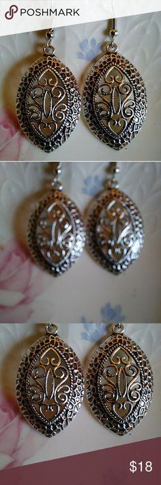 "Stunning Filagree Dangle Earrings Silvertone Filagree Earrings.  Appx 2"" long. These are gorgeous! Jewelry Earrings"