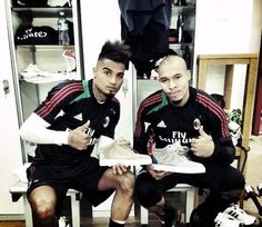 Kevin Prince Boateng and Nigel de Jong presenting their #Royaums #Kilian #Sneakers!