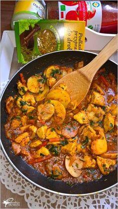 Szybki obiad. Kurczak z warzywami i grzybami w sosie pomidorowym (2) Kielbasa, Paella, Street Food, Poultry, Curry, Food And Drink, Cooking Recipes, Meals, Dinner