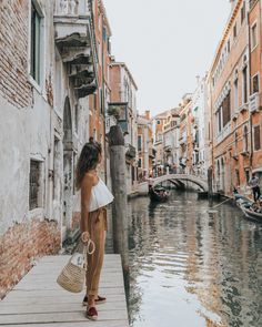 The best way to discover Venezia is getting lost around the maze of channels, every corner is beautiful 🇮🇹🐒🛶 Oh The Places You'll Go, Places To Travel, Travel Destinations, Travel Pictures, Travel Photos, Travel Around The World, Around The Worlds, Italy Places To Visit, Italy Outfits