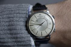 A (Vintage) Week On The Wrist: The Jaeger-LeCoultre Memovox