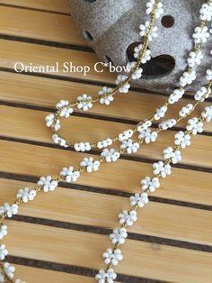 Weird Jewelry, Fashion Jewelry Necklaces, Seed Bead Jewelry, Crochet Necklace Pattern, Beaded Bracelet Patterns, Beaded Bracelets, Jewelry Crafts, Handmade Jewelry, Diy Bracelets Easy