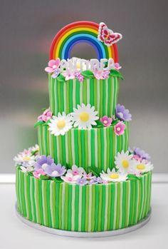 Flowers and rainbow cake for Andrea in her First Communion · Pastel de flores y arcoiris para Andrea en su Primera Comunión