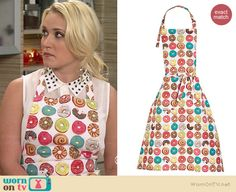 Gabi's donut print apron on Young and Hungry. Outfit Details: http://wornontv.net/35677/ #YoungandHungry