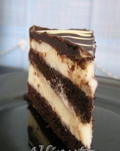 De cind am vazut tortul acesta la Amalia , mi-a ramas in suflet. Am zis ca il fac cu prima ocazie, care s-a intimplat sa fie ieri. Eu un t... Romanian Desserts, Russian Desserts, Sweets Recipes, No Bake Desserts, Cake Recipes, Pastry Cake, Dessert Drinks, Ice Cream Recipes, Desert Recipes