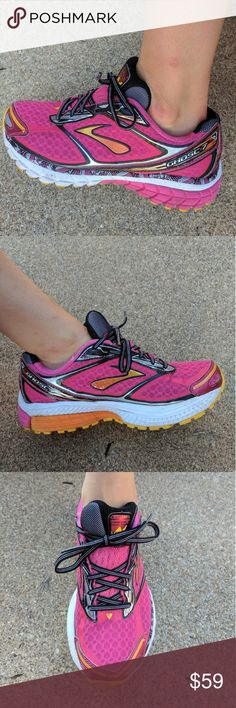 Brooks Ghost Excellent gently used condition women's Brooks Ghost running shoes. Beautiful vibrant colors! Size 6.5 Brooks Shoes Athletic Shoes
