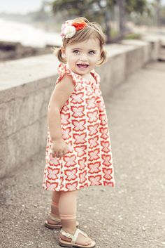 I'll be making this dress and this adorable headband! Yeay for my little lady!