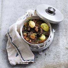 On peut ajouter en fin de cuisson des petits oignons grelot caramélisés ou des champignons de Paris.