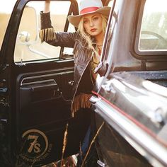 The Stockton leather jacket has got us wanting to steal away this weekend in this ol' truck and see where the road takes us! :cactus::dancer:#retrovibes #scully #theopenroad #savannah7s #style