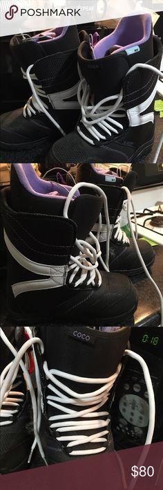 Burton Coco snowboarding boots Never used! Burton Shoes Winter & Rain Boots