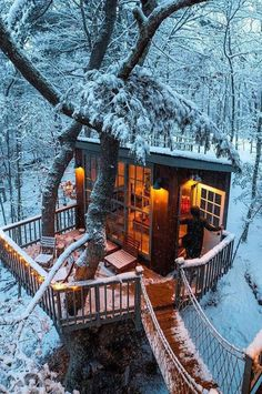 Amazing Places Cozy Cabin of the Snow Land ❄ Georgetown, Maine Keeping Moisture Out Of Your House Ar Beautiful Tree Houses, Cool Tree Houses, Georgetown Maine, Tree House Designs, Cozy Cabin, Cabin Tent, Cabins In The Woods, Architecture Design, Staircase Architecture