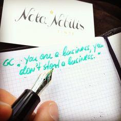 Welch hervorragendes Zitat von @grantcardone ! Hier festgehalten mit brillanter strahlender #Premiumtinte aus einer edlen Füllfeder!  Bring deine Einzigartigkeit zu Papier! www.nota-nobilis.at  #Füller #Füllfeder #füllfederhalter #fountainpen #premiumtinte #tinte #ink #diamine #noddlers #deatramentis #sailorpen #success #erfolg #business Success, Dyes, Paper, Quote, Hang In There