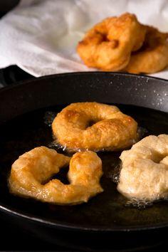 Sfenj - Moroccan Donuts — My Moroccan Food Moroccan Desserts, Moroccan Dishes, Moroccan Recipes, Donuts, Tagine, National Donut Day, Tasty, Yummy Food, English Food