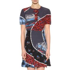--evaChic-- This Coach 1941 Car Print Circular Patchwork Dress is a statement summer piece featuring a floral and car print combo in an artful circular patchwork. The fit & flare silhouette offers some classic aspect to it. The mix of colors and motifs is mind-blowing! Rock it to every single party!   https://www.evachic.com/product/coach-1941-car-print-circular-patchwork-dress/