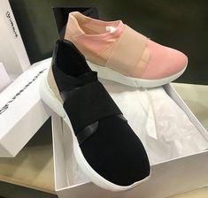 Mondayzz! Grumman sneakers 💕💕 New collection SS 2018  #fashion #sante #grumman #sneakers #santeshoes  #fashionstyle  #shoebizz #ss18collection  #shoebizzworld #shoebizzsignature #shoebizzladies #shoebizzlovers •Θα τις βρείτε στο κατάστημα μας, ,Αθ.Διακου 2 , Λαμια🔝🔝 •Για παραγγελίες: ☎️☎️Τηλ.Επικ:22310-24421 •Ή με inbox📩📩 •online > www.shoebizz.gr