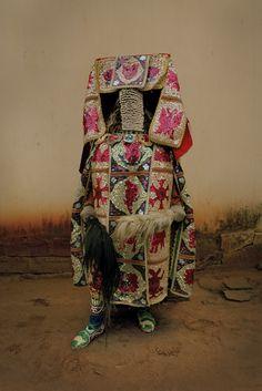 Leonce Raphael Agbodjelou: Egungun Project. A Sumptuous Masquerade|Evelyne Politanoff