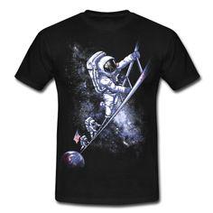 Una camiseta inspirada en la conquista de la Luna por el equipo del Apolo 11 en Julio de1969.