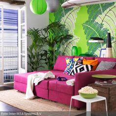 Fans von knalligen Farben kommen hier voll auf ihre Kosten. Mehr über die Trendfarbe 2014 erfahrt ihr auf www.roomido.com/wohntrends-einrichtungstipps/alle/farbkonzepte/radiant-orchid.html