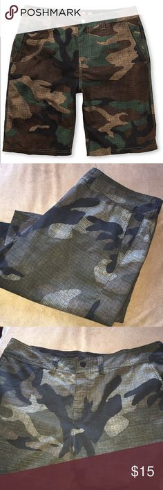 Quick Silver Men's Board Shorts Quicksilver Camouflage Amphibians Board Shorts. Wear for every day or Surf Swim/Swim. In excellent condition. Multiple pockets and button fly. Quick Silver Swim Board Shorts