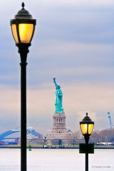 I never go to  New York but my dad yes and he tell me about is vacation and he trasform me  jealous me