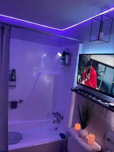 Bathroom Design Luxury, Bathroom Design Small, Bathroom Ideas, Bedroom Layouts, Room Ideas Bedroom, First Apartment Decorating, Apartment Ideas, Decor Home Living Room, Cute Room Decor