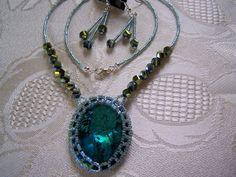 Seed Bead Bezel Abalone Paua Shell Pendant and Earrings Set