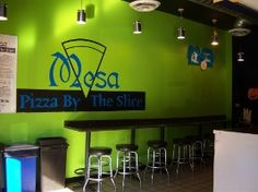 When I profiled Mesa Pizza's manager earlier in the semester, I hung around behind the counter to get an anecdotal lede. Didn't take long! Even at eleven, when I went, the place was hopping.