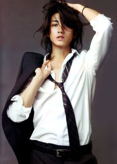 akanishi jin, 赤西仁 I'VE BEEN IN LOVE WITH THIS PIC FOR WAY TOO LONG I FINALLY KNOW WHO'S IN IT