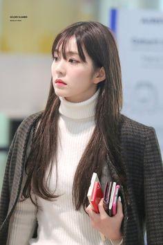 Photo album containing 6 pictures of Irene Seulgi, Red Velvet アイリーン, Red Velvet Irene, Velvet Fashion, Airport Style, South Korean Girls, Girl Crushes, Kpop Girls, My Girl