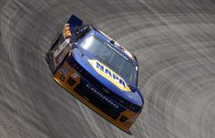 Chase Elliott Photos - Chase Elliott, driver of the NAPA AUTO PARTS Chevrolet, drives during practice for the NASCAR Nationwide Series Food City 300 at Bristol Motor Speedway on August 2014 in Bristol, Tennessee. Jr Motorsports, Bristol Motor Speedway, Nascar Cars, Truck Paint, Chase Elliott, Paint Schemes, 4 Life, Chevrolet, Racing
