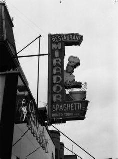L'enseigne lumineuse du restaurant-café italien Le Mirador, à Montréal. - Juillet 1948.
