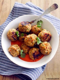Chicken Recipe : Thai-Spiced Chicken Meatballs with Red Pepper Curry Sauce