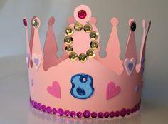 Eine Geburtstagskrone für das Geburtstagskind - macht sich auch gut auf den Geburtstagsfotos! Happy Birthday, Birthday Cake, Princess Party, Kids And Parenting, Diy And Crafts, Inspiration, Food, Filly, Baby