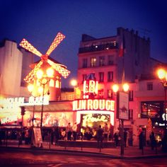 #Moulin Rouge