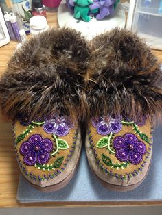 Women's Purple Flower Slippers with Beaver by Alaska Beadwork Indian Beadwork, Native Beadwork, Native American Beadwork, Native Beading Patterns, Beadwork Designs, Beaded Moccasins, Nativity Crafts, Purple Bags, Beading Projects