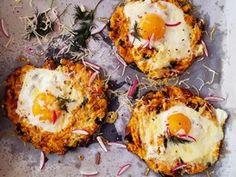 Pečené placky zo sladkých zemiakov (batatov) plnené vajíčkom Healthy Recipes, Healthy Food, Eggs, Vegetarian, Breakfast, Ethnic Recipes, Healthy Foods, Morning Coffee, Healthy Eating Recipes